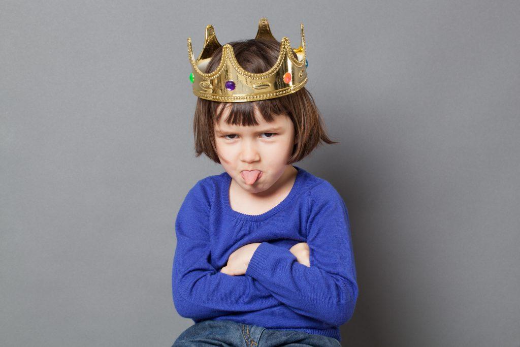 Quelles sont les conséquences négatives d'une survalorisation de mon enfant ?